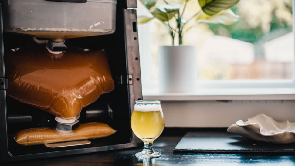 BEERMKR unveils fully automated beer brewing system at CES