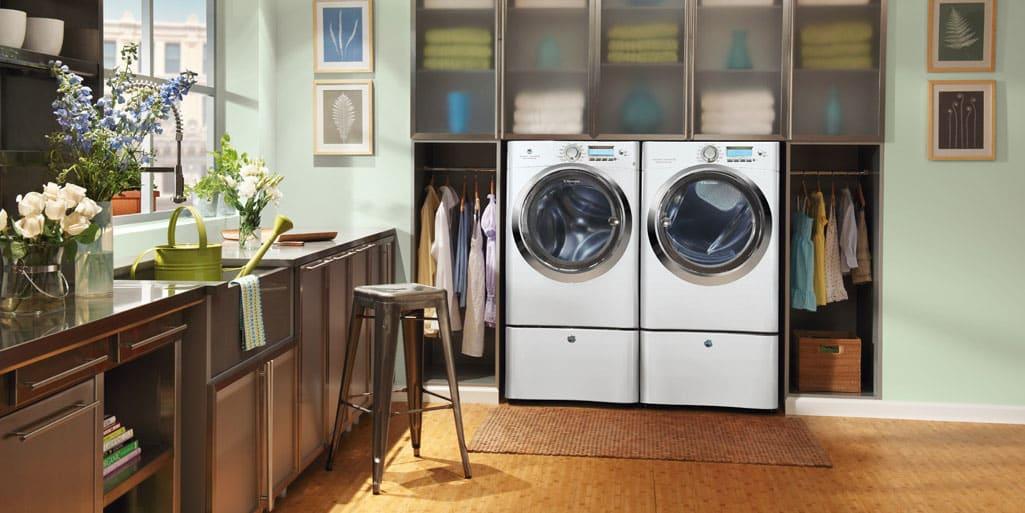 Electrolux EWMGD70JIW 8.0-Cu.-Ft. Gas Dryer