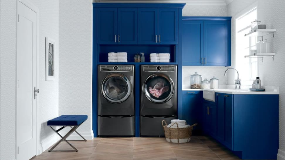 The Electrolux EFLS527UTT packs a mean punch