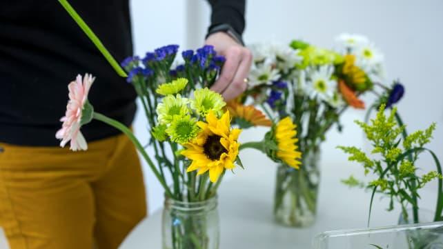 preparing-flowers