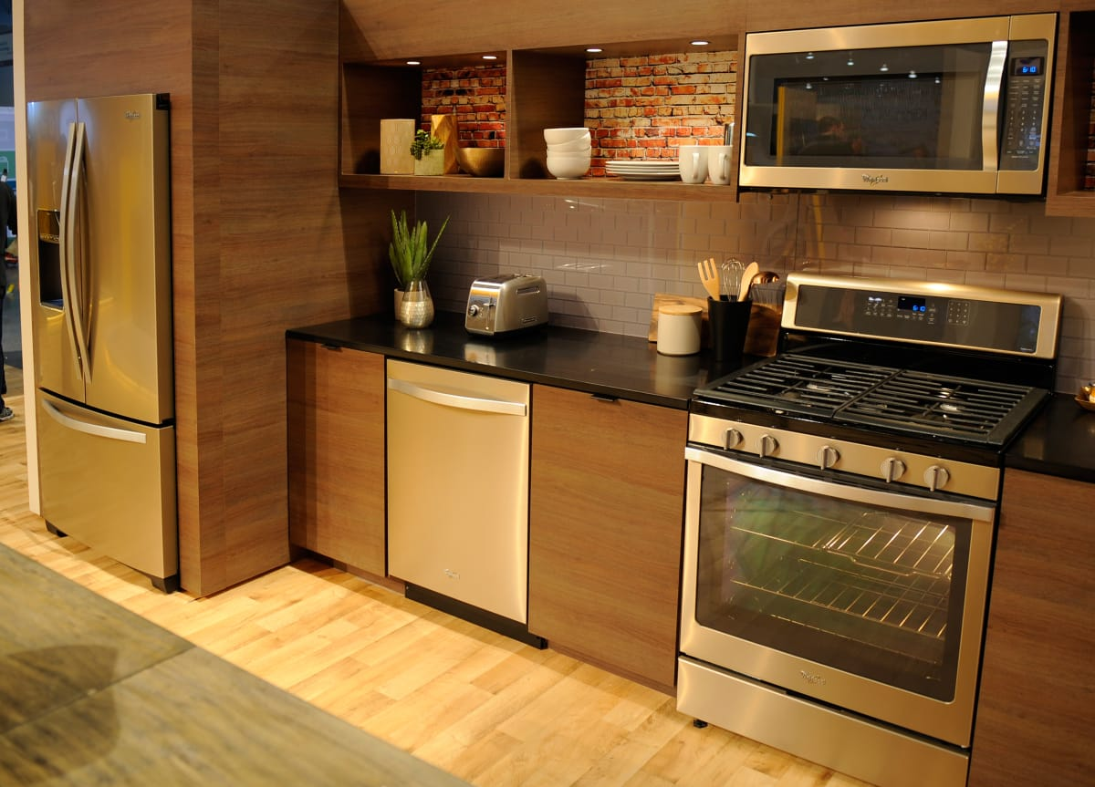 Whirlpool Kitchen Suite Whirlpool says stainless is out sunset bronze is in reviewed whirlpool sunset bronze suite 1 bathe your kitchen in a golden glow workwithnaturefo