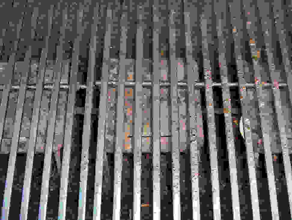 Grill with rusty grates