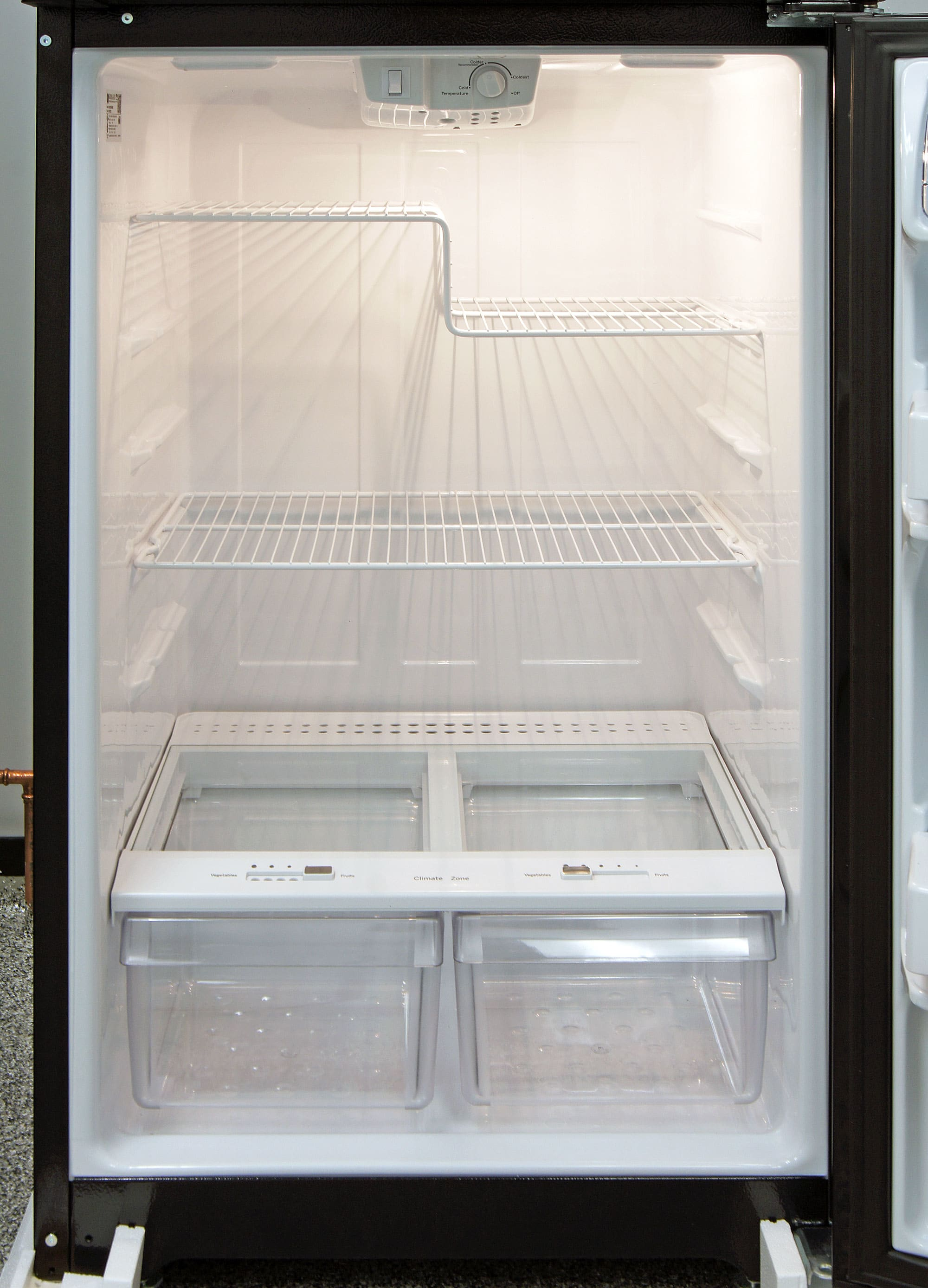 The GE GIE16DGHBB's fridge interior uses a two-tier shelf to accommodate items of varying heights.
