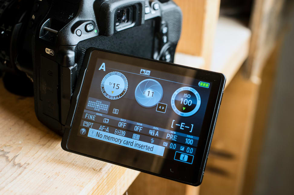 Nikon-D5500-Review-Design-Tilt-Screen.jpg