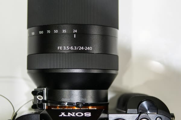 Sony 24–240mm – Top View