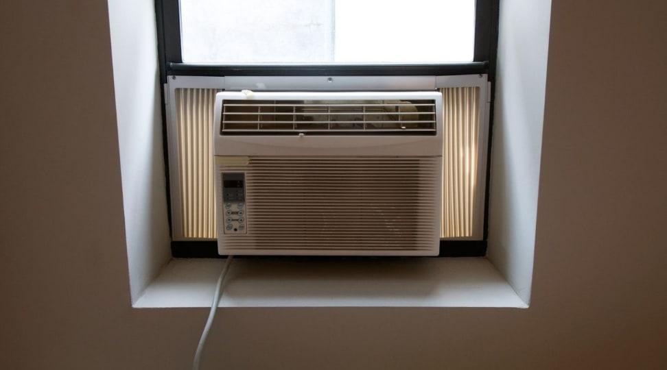 Window unit air conditioner