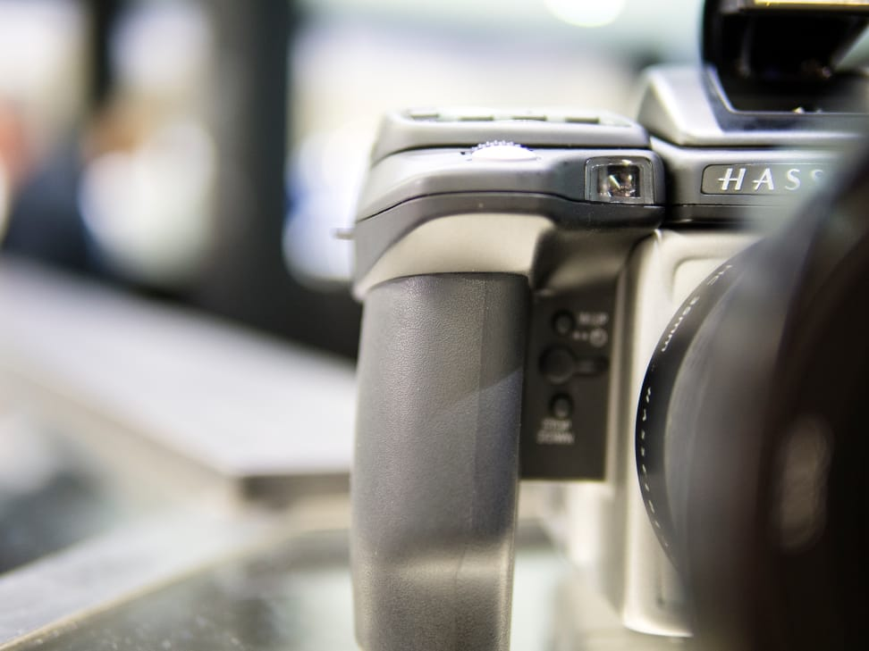 Hasselblad-H5D-50c-FI-Review-Grip.jpg