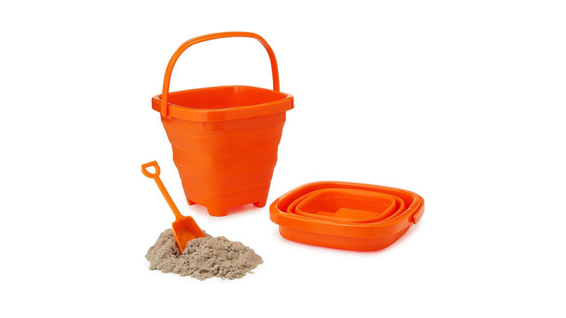 Collapsible sand pail