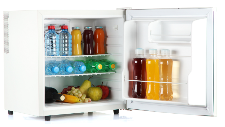 The Kenmore mini fridge can store pizzas, cans of beverages, and fruits.