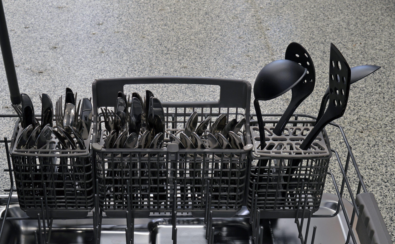 Kenmore Elite 14763 cutlery basket capacity